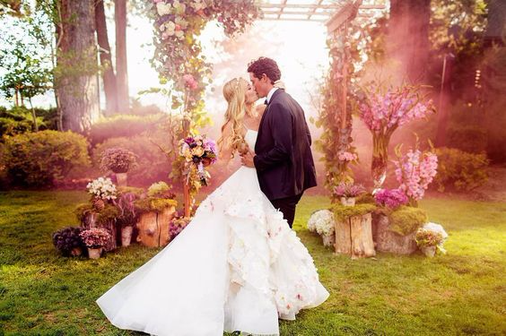 2016 wedding trend, smoke bomb photographs, first kiss, wedding party, outdoor wedding, reception, ceremony, unique ideas