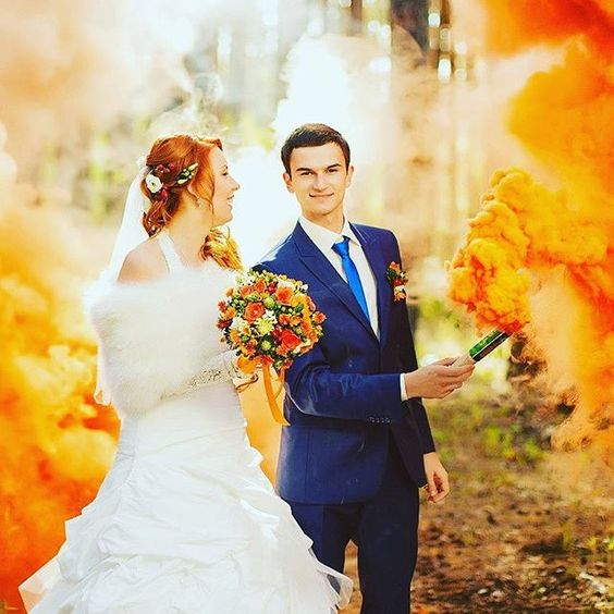 2016 wedding trend, smoke bomb photographs